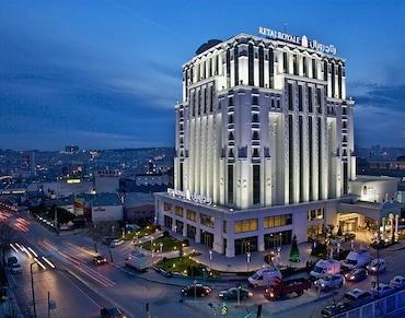 Güneşli Retaj Royal İstanbul Hotel'de 2 Kişilik 1 Gece Konaklama