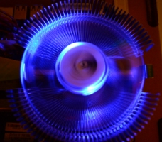 Mavi Işıklı Pc Uyumlu Masaüstü Bilgisayar Fanı